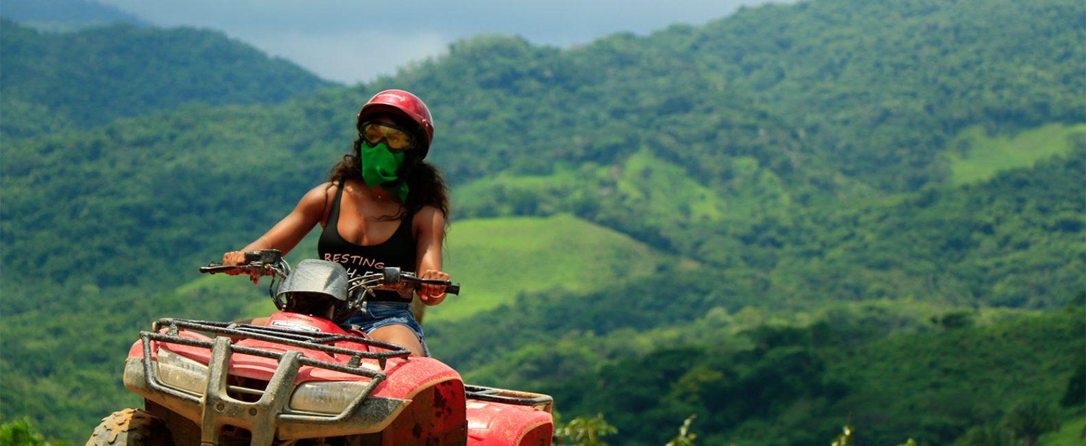 Mujer en ATV